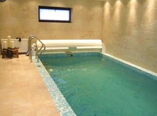 обслуживание бетонного бассейна